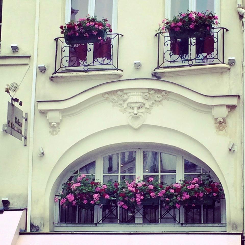 Window Boxes at Le Relais de Comptoir, Paris (photo by Lisa Michaux)