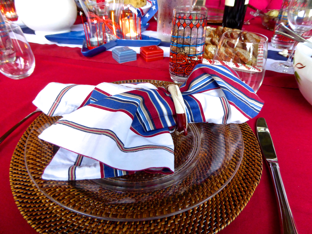 4thJuly_tabletop_Sue_spiritedtable_photo02.jpg