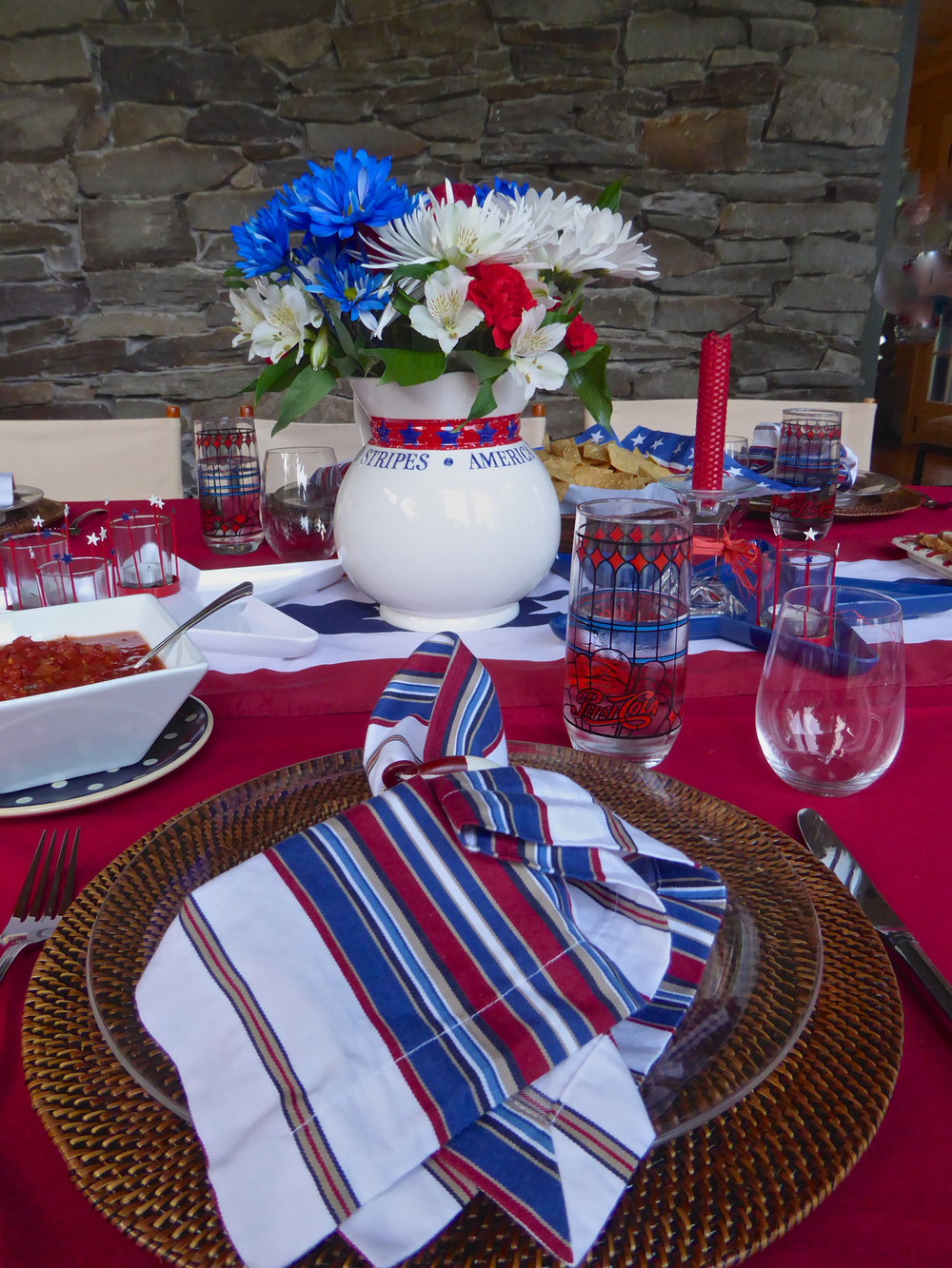 4thJuly_tabletop_Sue_spiritedtable_photo07.jpg