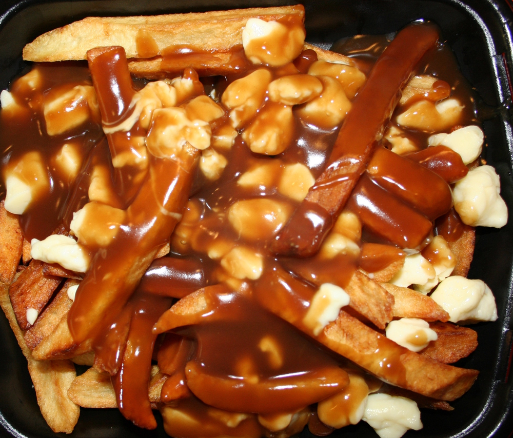 https://upload.wikimedia.org/wikipedia/commons/6/6c/Poutine.JPG