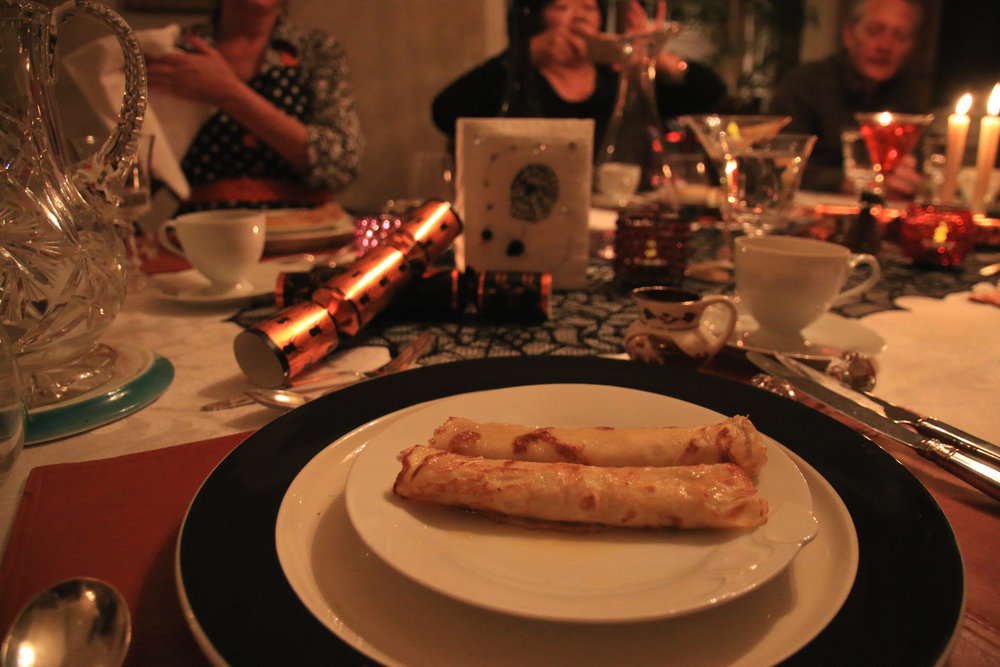 teri_W3bookclub_sharpteeth_halloween_spiritedtable_photo04.jpg