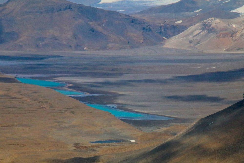 teri_iceland_helicopter_glacier_spiritedtable_photo7.jpg