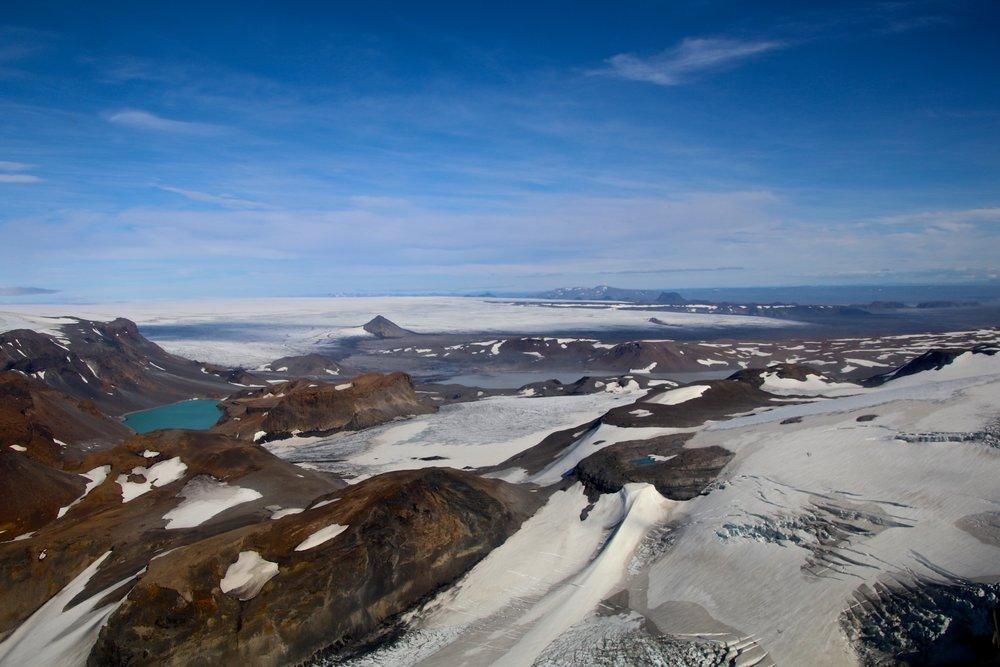 teri_iceland_helicopter_glacier_spiritedtable_photo6.jpg