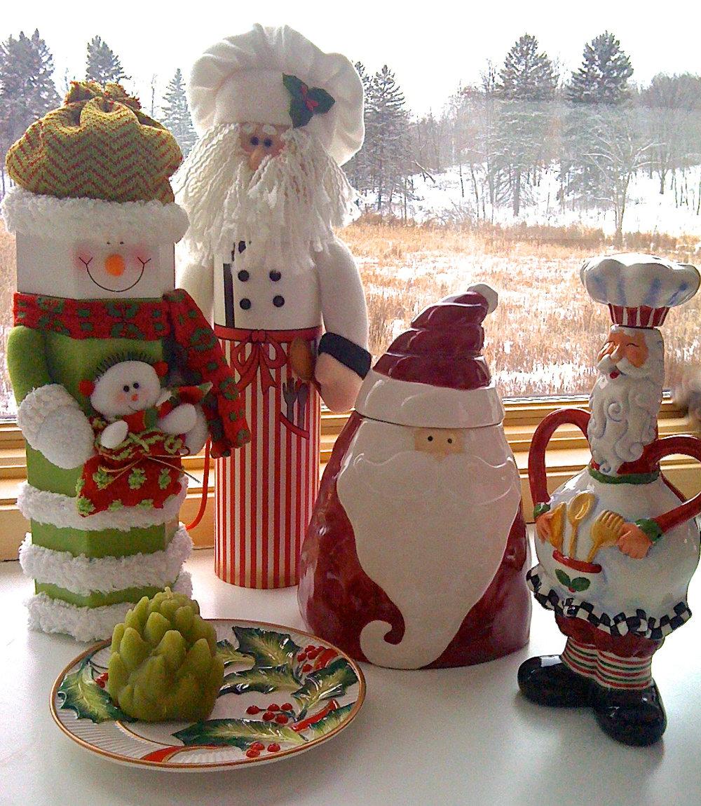 cindi_christmas_kitchen santas_spiritedtable_photo1.jpg