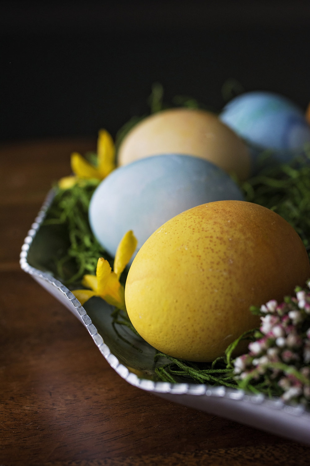 Kristine_eggs_Easter_flowers_spiritedtable_photo03.jpg
