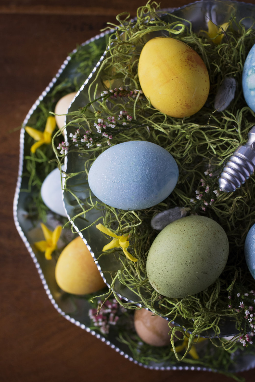 Kristine_eggs_Easter_flowers_spiritedtable_photo04.jpg