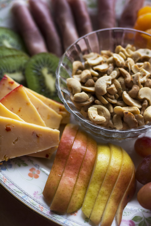 kristine_cheeseboard_snacks_cashew_recipe_spiritedtable_photo3.jpg