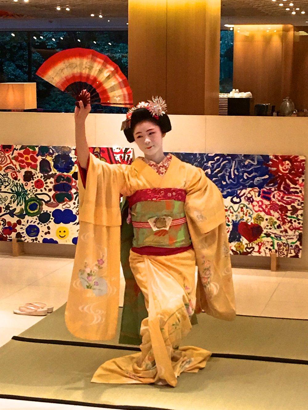teri_kyoto_Maikodancing_spiritedtable_photo1.jpg