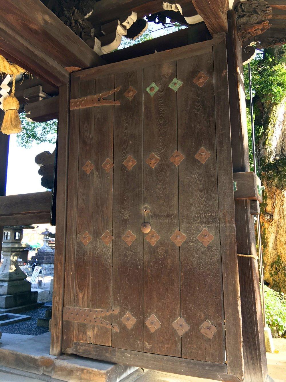 teri_Japan_Kyoto_Shrine_spiritedtable_photo02.jpg