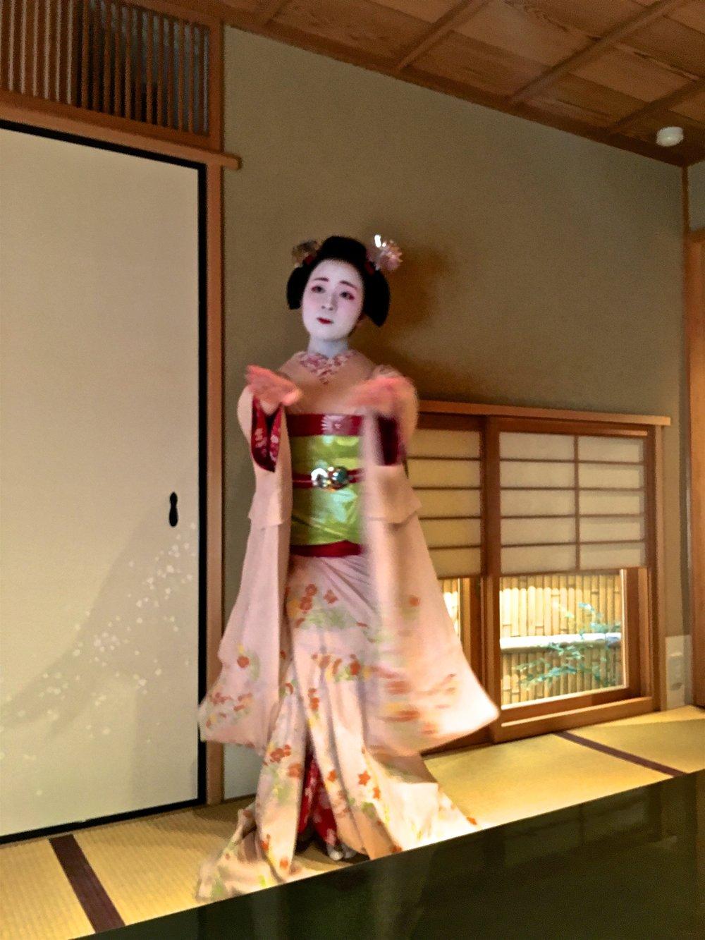 teri_Japan_Kyoto_Maiko_dinner_spiritedtable_photo3.jpg