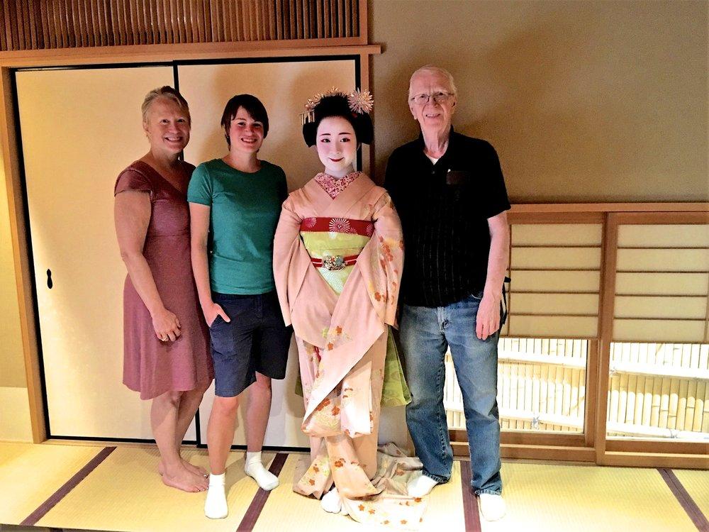 teri_Japan_Kyoto_Maiko_dinner_spiritedtable_photo1.jpg
