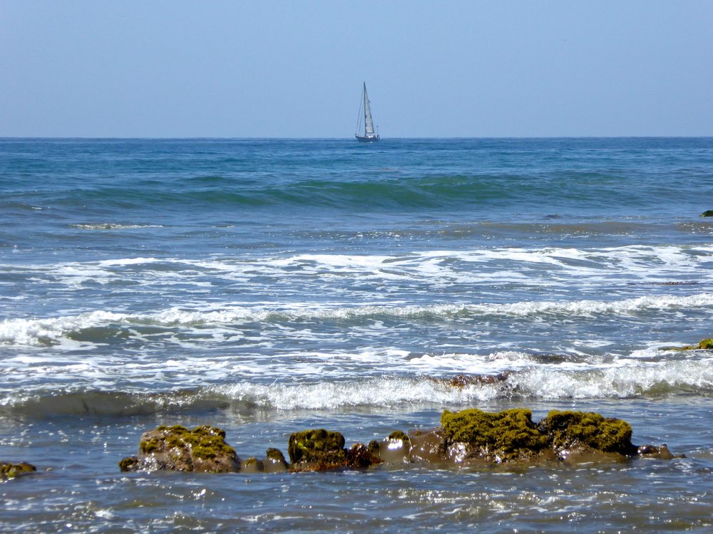 cindi_SBarbara_beach_sailboat_spiritedtable_photo1.jpg