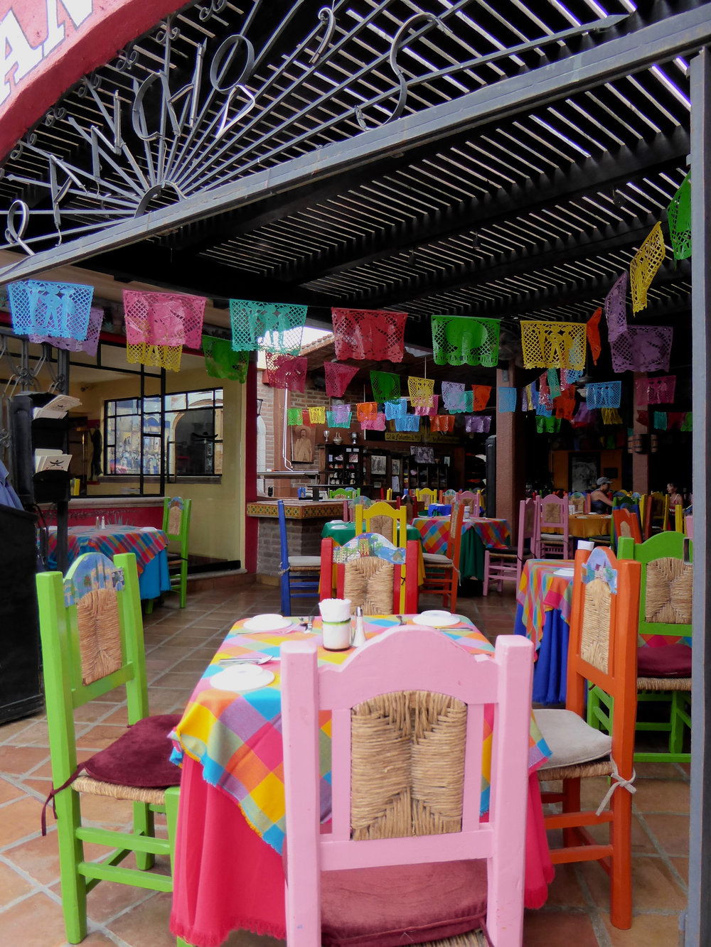 cindi_cabosanlucas_town_restaurant_bedcloths_spiritedtable_photo20.jpg