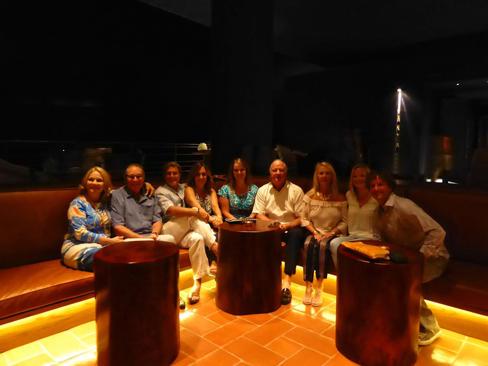 cindi_cabosanlucas_hotel_spiritedtable_photo09.jpg