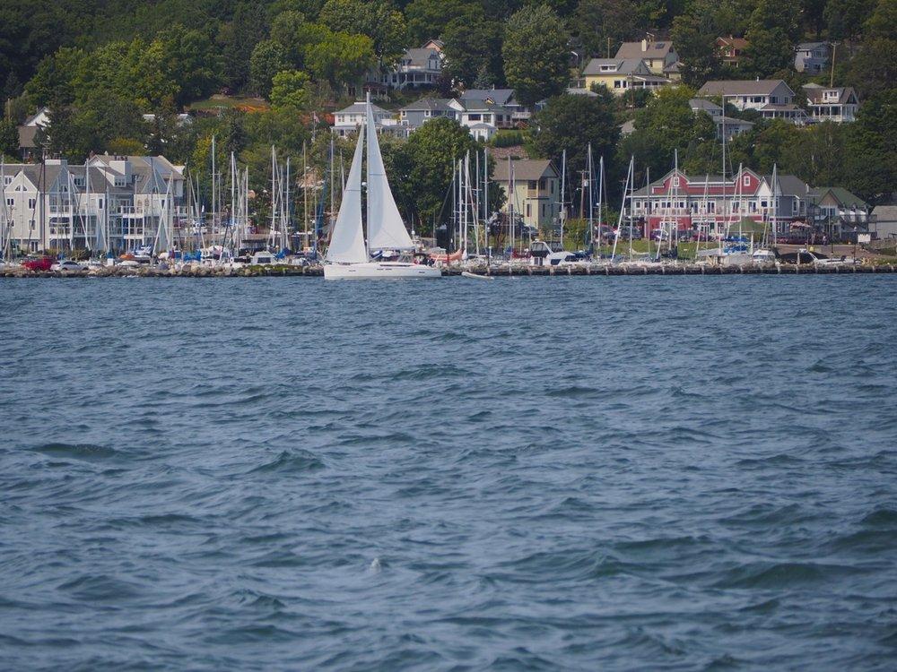 cindi_madeline_boat_rides&races_spiritedtable_photo04.jp