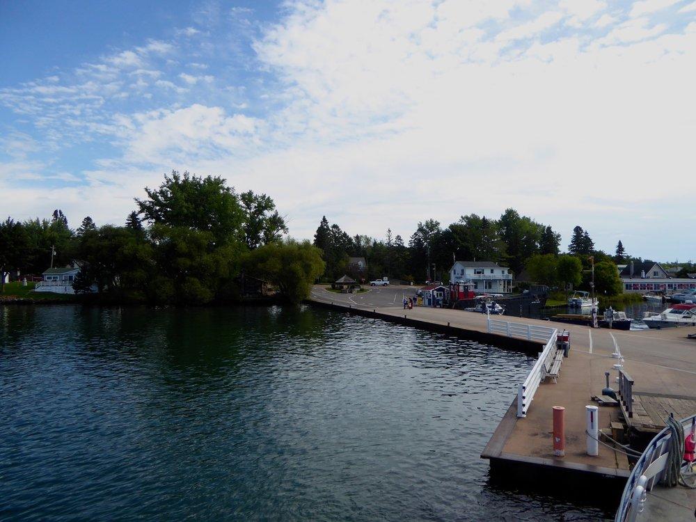 cindi_ferry_boats_rocks_spiritedtable_photo01.jpg