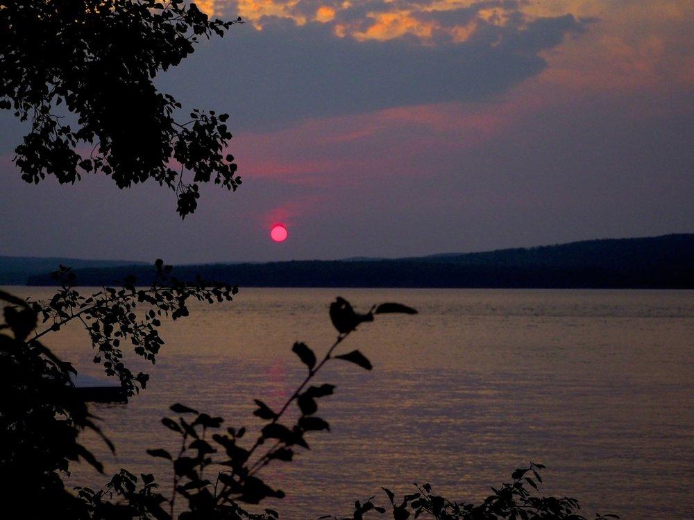 cindi_madeline_sunsets&storms_spiritedtable_photo05.jpg