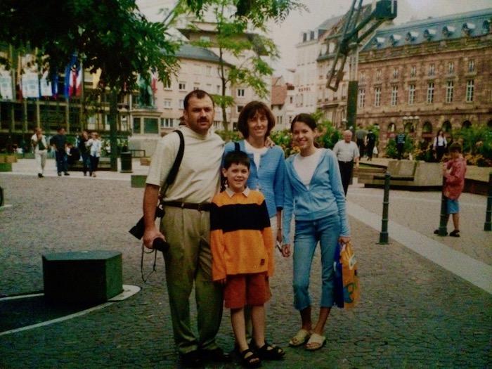 family-traveling.jpg