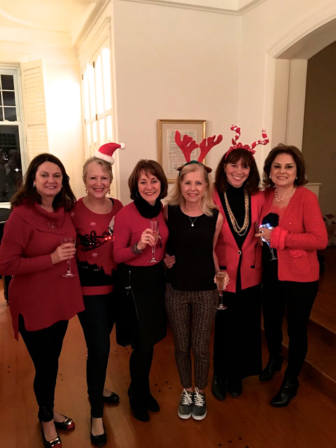 Teri_cupofChristmastea_W3BookClub_spiritedtable_photo10.jpg