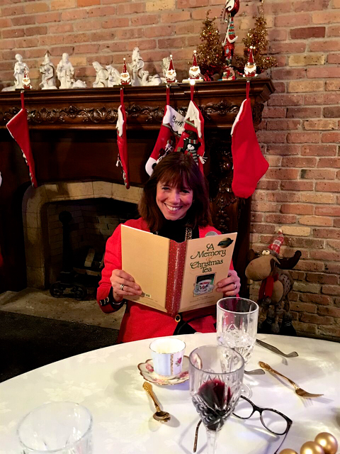 Teri_cupofChristmastea_W3BookClub_spiritedtable_photo12.jpg