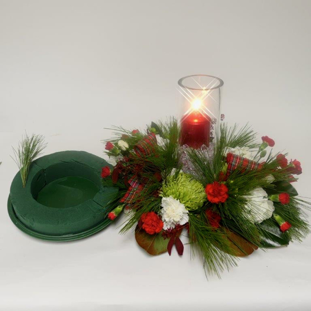 ardith_flowers_christmas_candles_wintergreens_spiritedtable_photo4.jpg