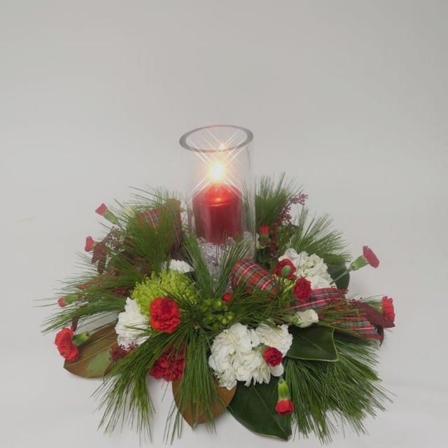 ardith_flowers_christmas_candles_wintergreens_spiritedtable_photo1.jpg