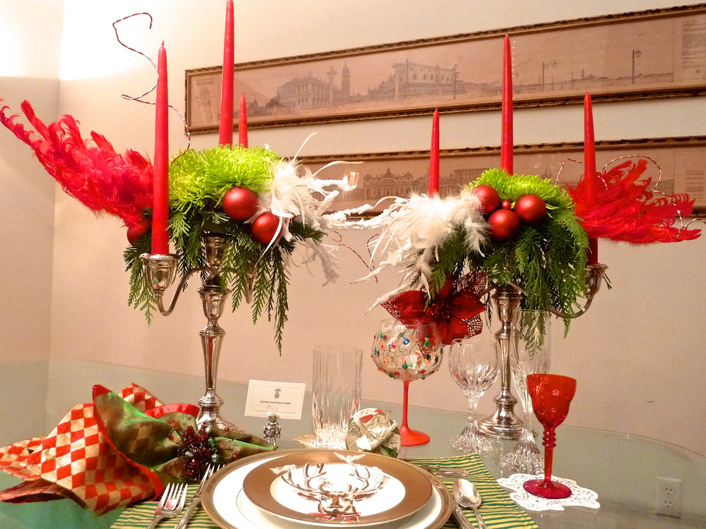 Cindi_Christmas_tabletop_greenmums_feathers_spiritedtable_photo3.jpg