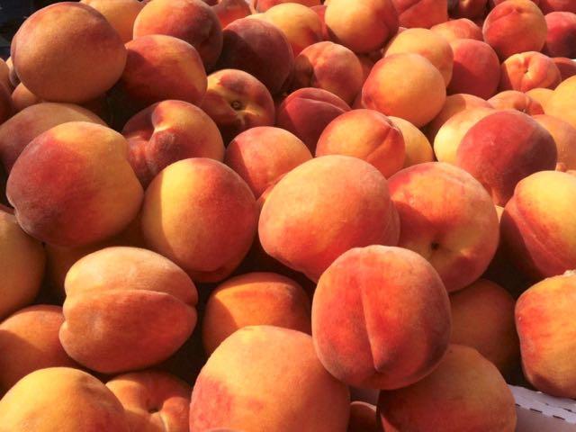 zehorit_peaches_spiritedtable_photo1.jpg