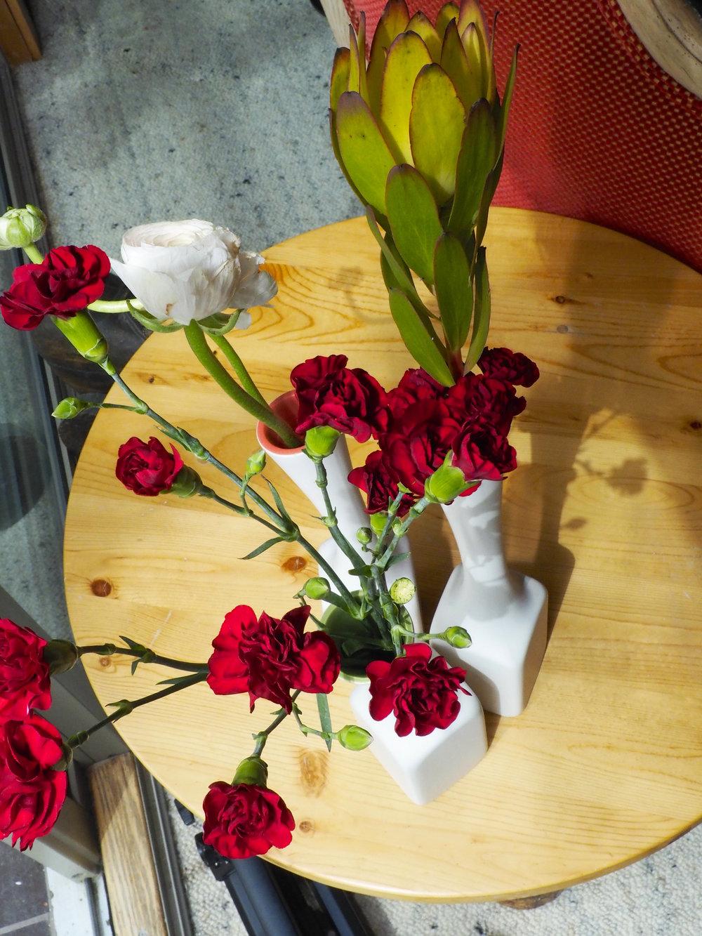 cindi_mixedflowers_spiritedtable_photo3.jpg
