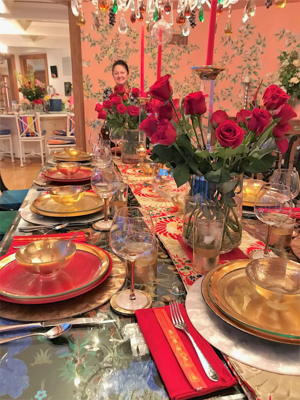 teri_dining_tabletop_aroundtheworldin80days_W3Bookclub_spiritedtable_photo2.jpg