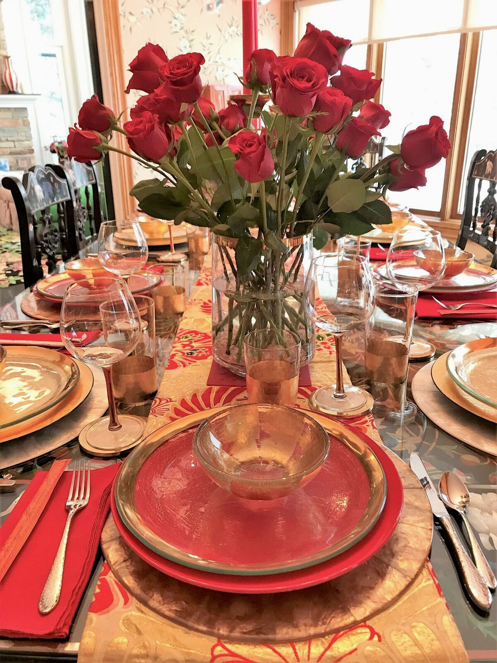 teri_dining_tabletop_aroundtheworldin80days_W3Bookclub_spiritedtable_photo5.jpg