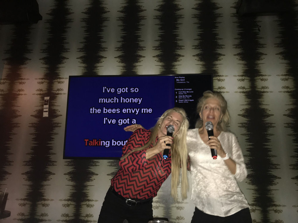 teri_karaokesinger'sguide_W3bookclub_spiritedtable_photo19.jpg