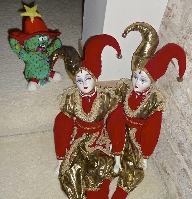 Jesters+Feliz Navidad Singing Dude