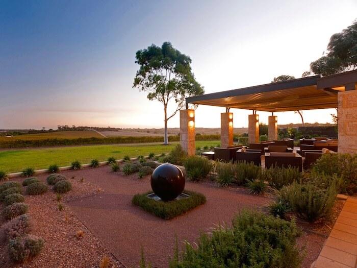 1_australia_luxury_wine.jpg
