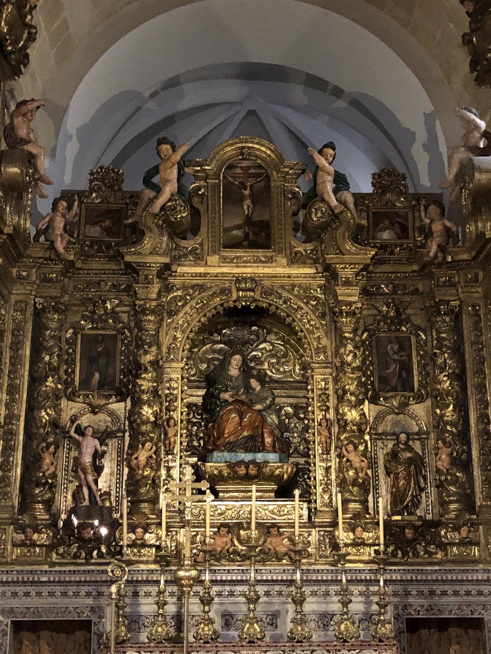 teri_lisbon_portugal_cathedral_spiritedtable_photo05.jpg