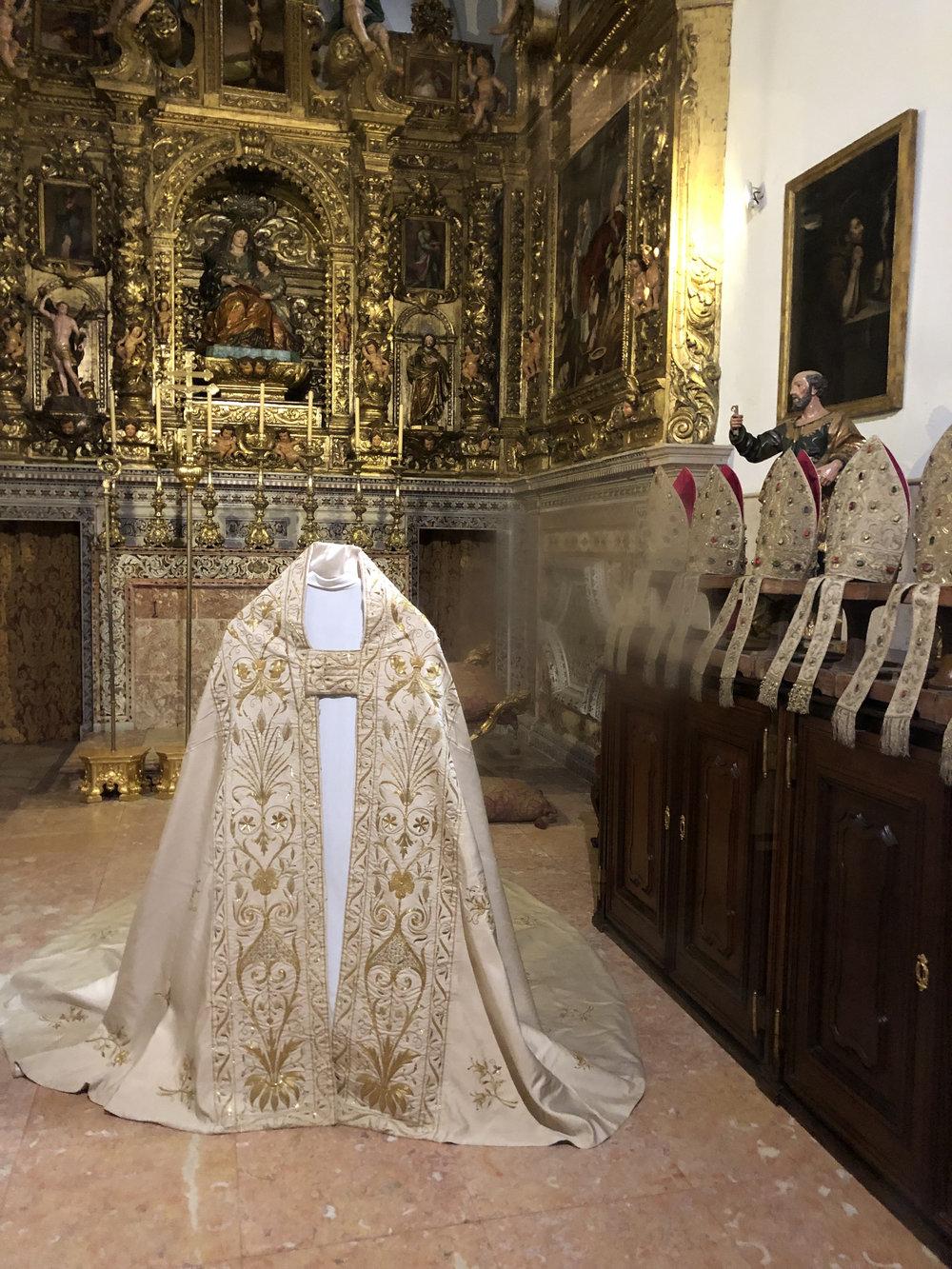 teri_lisbon_portugal_cathedral_spiritedtable_photo07.jpg