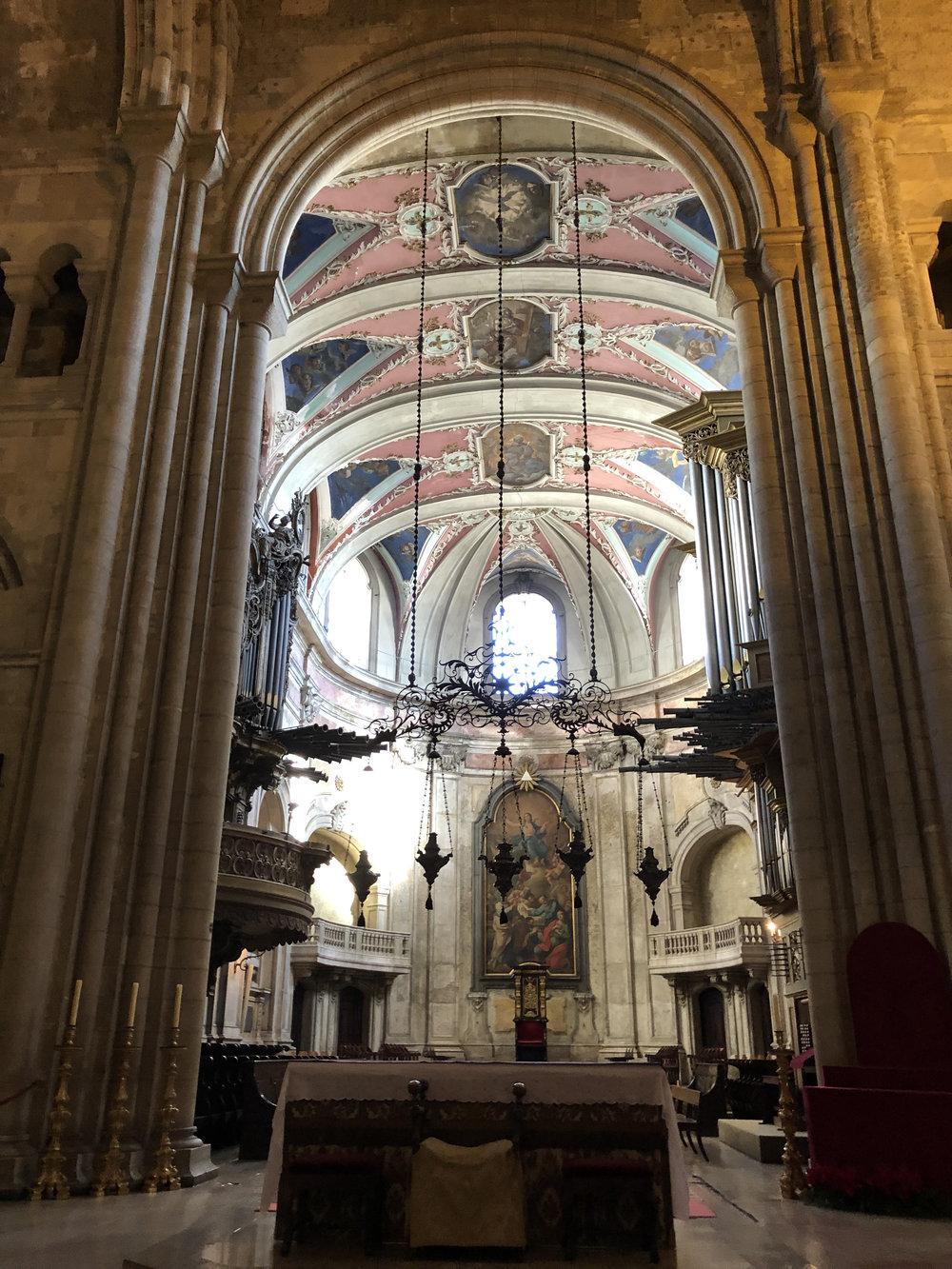 teri_lisbon_portugal_cathedral_spiritedtable_photo09.jpg