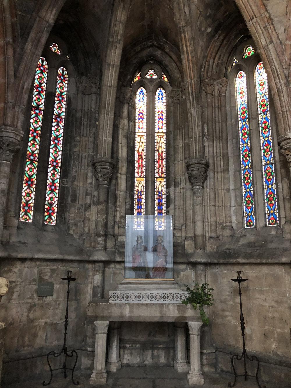 teri_lisbon_portugal_cathedral_spiritedtable_photo15.jpg
