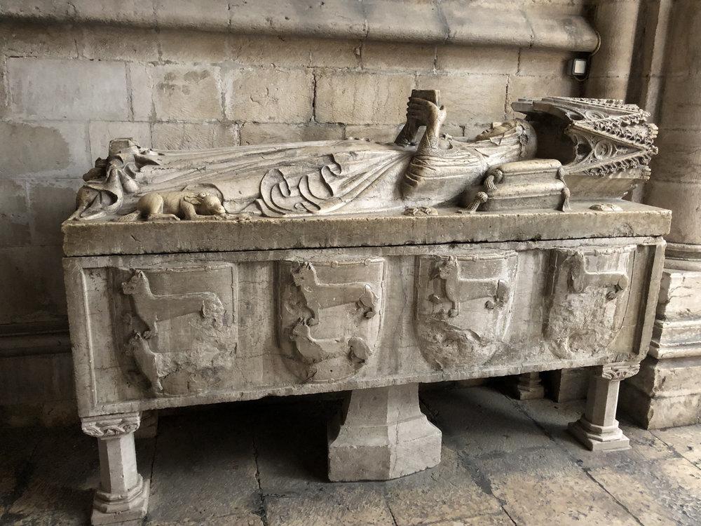 teri_lisbon_portugal_cathedral_spiritedtable_photo17.jpg