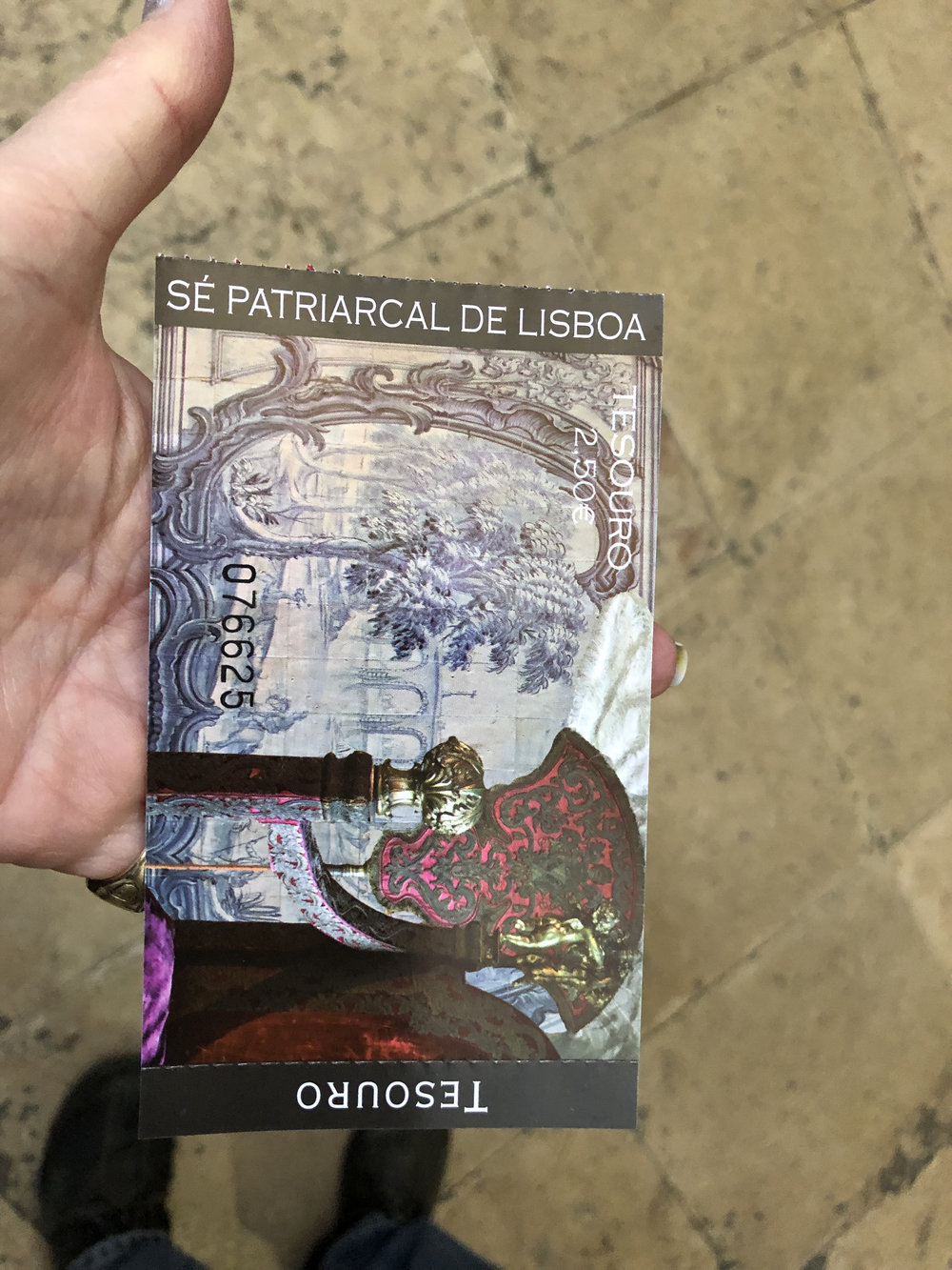 teri_lisbon_portugal_cathedral_spiritedtable_photo19.jpg