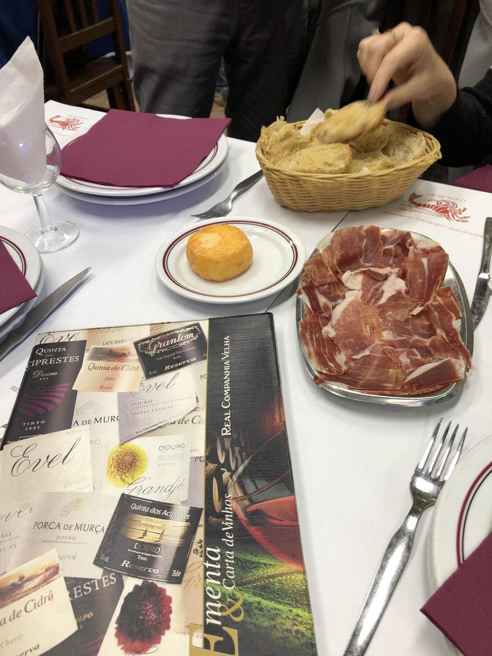 teri_lisbon_portugal_OPalacio_spiritedtable_photo08.jpg