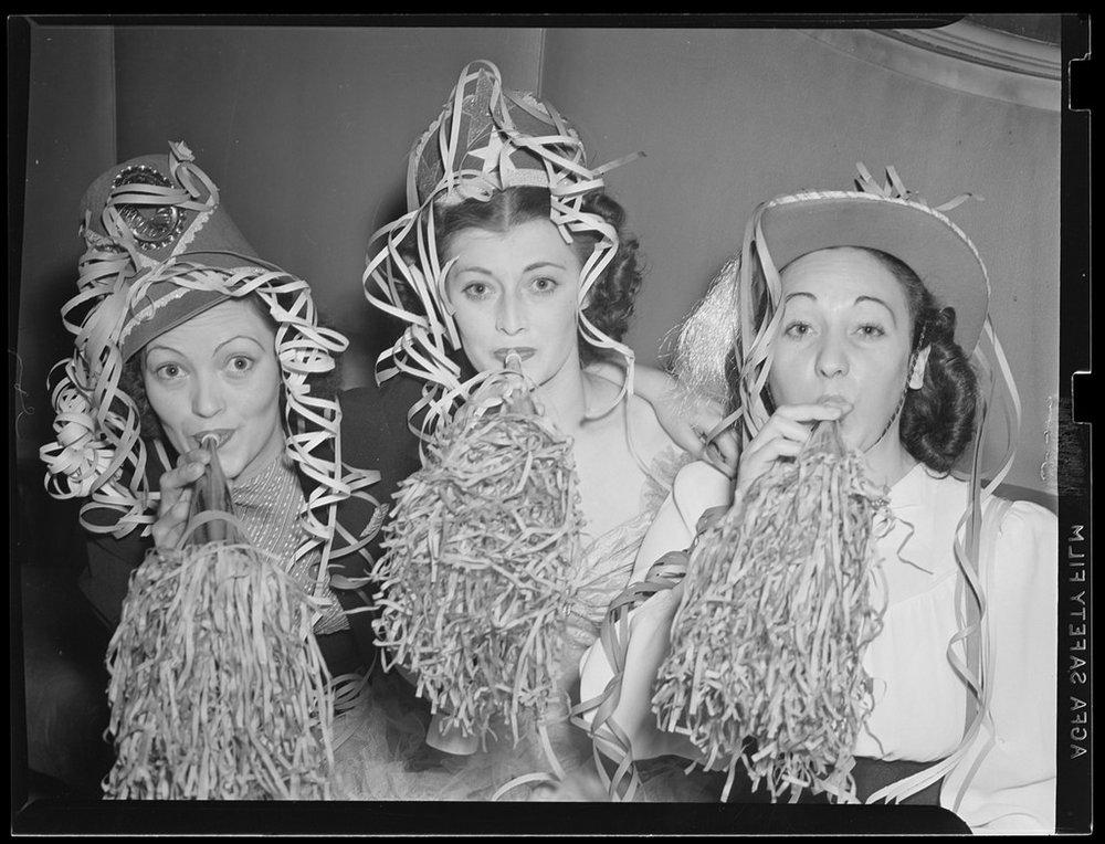 Nightlife of Boston Showgirls in the 1940s (5).jpg