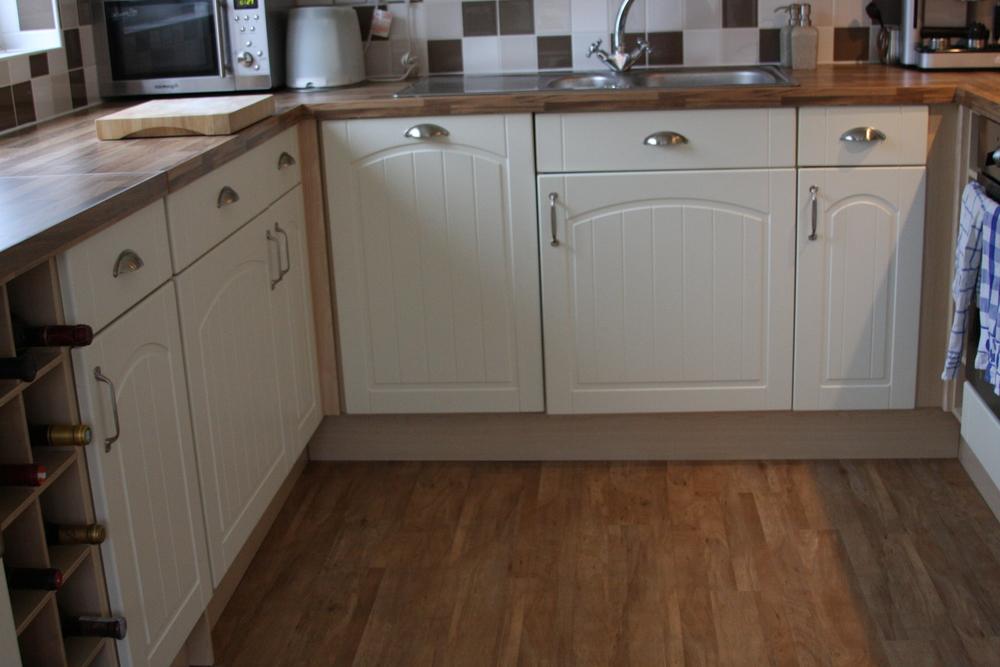 panele winylowe w kuchni w domu w UK