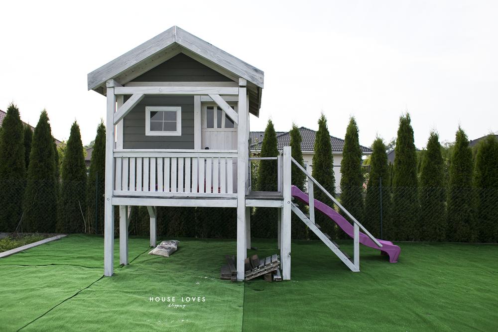 Ogromny Sztuczna Trawa na Placu Zabaw w Domowym Ogrodzie — HOUSE LOVES VU62