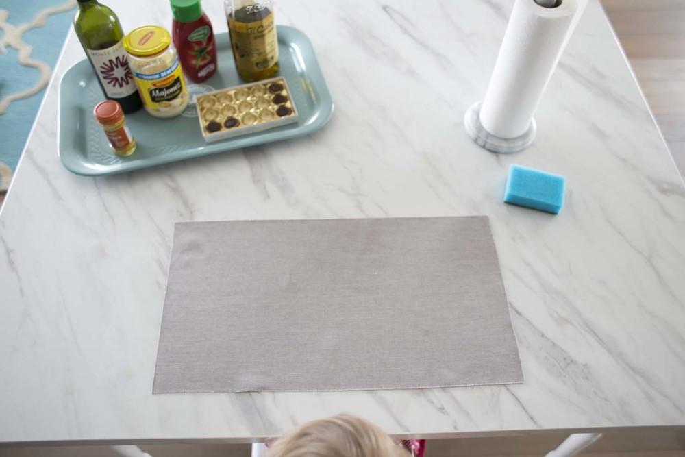 do testów przygotowałam kawałek tkaniny MAGIC HOME, Porto, kolor Platinum, oraz moją 4,5 letnią córkę, która chętnie coś pobrudzi.
