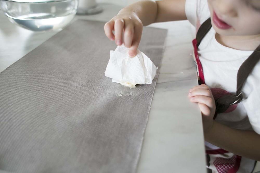 ręczniki kuchenne ewidentnie rozcierają plamy za bardzo.
