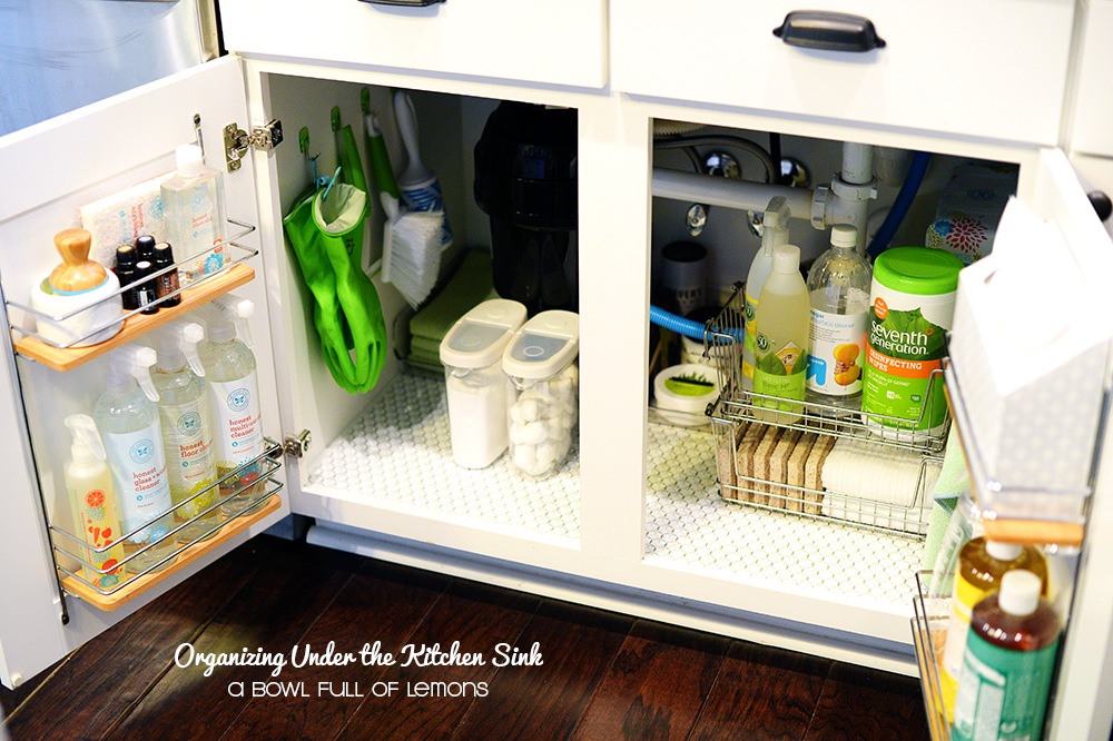 Organizing-under-the-kitchen-sink-via-ABFOL-2.jpg