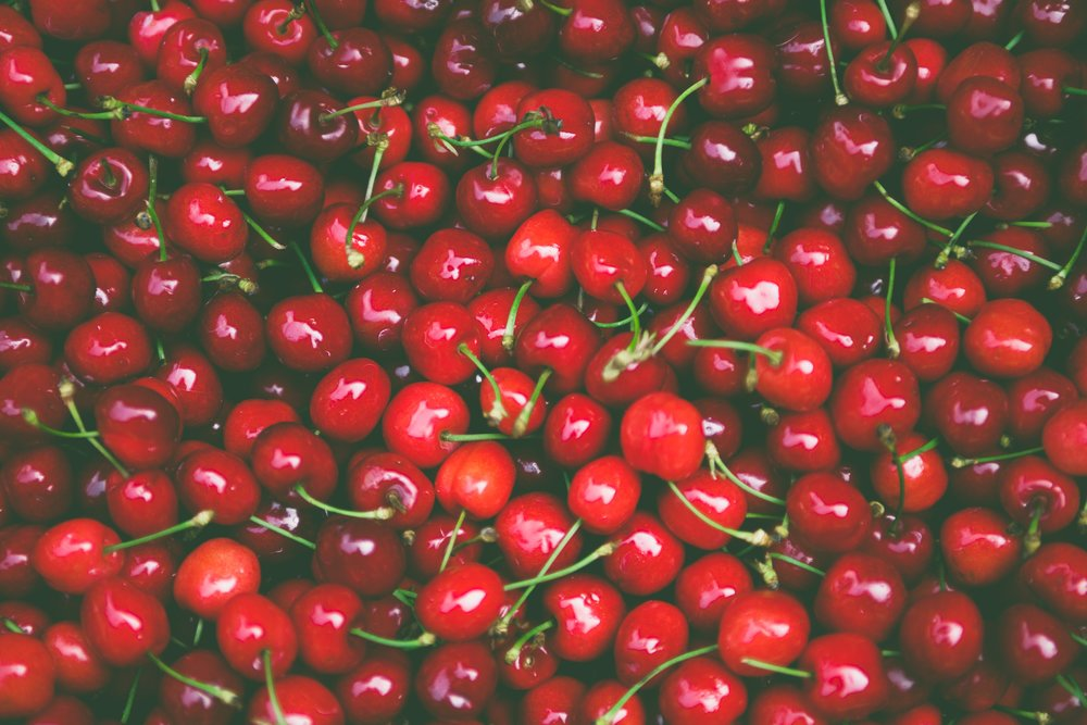 cherries-close-up-delicious-175727.jpg