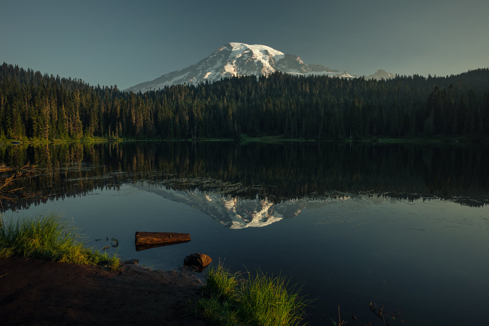 MOUNT RAINIER / REFLECTION LAKE