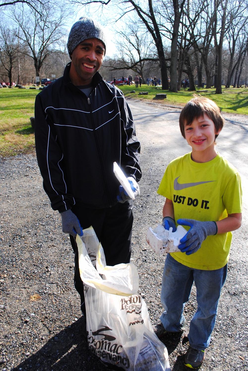 potomac river volunteers styrofoam